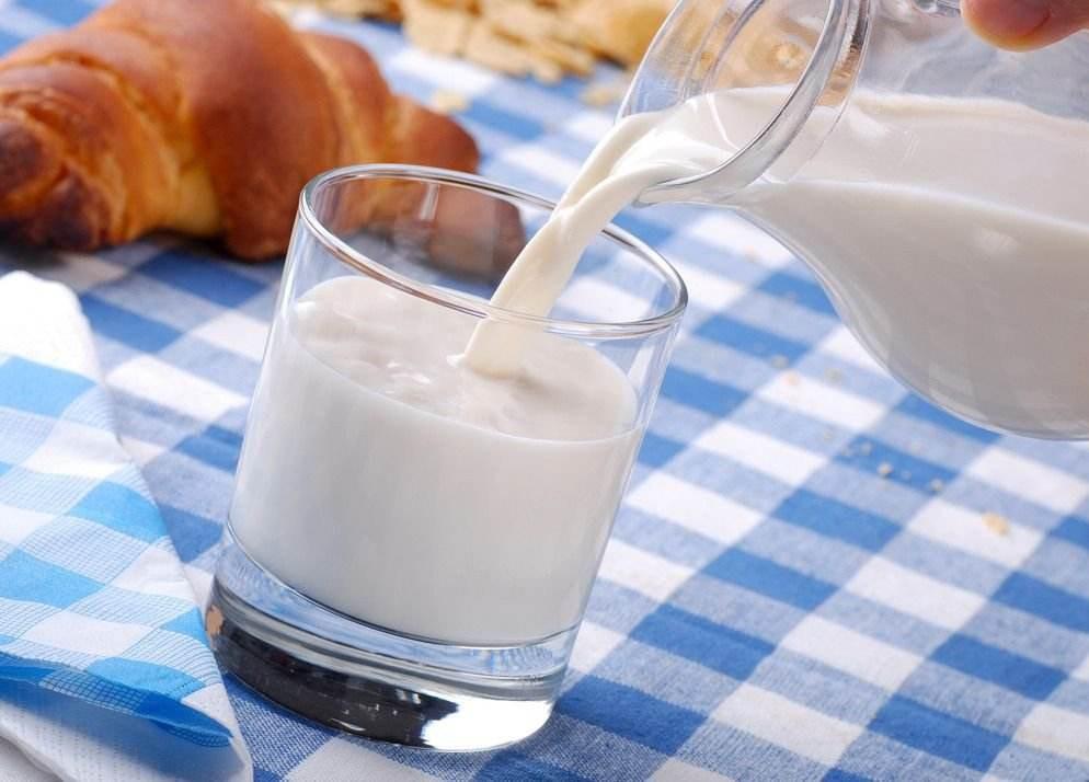 睡前喝牛奶好吗 睡前喝牛奶个别人需注意事项