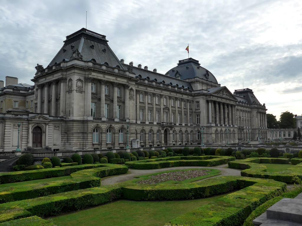 布鲁塞尔是哪个国家的 是比利时的首都和最大的城市