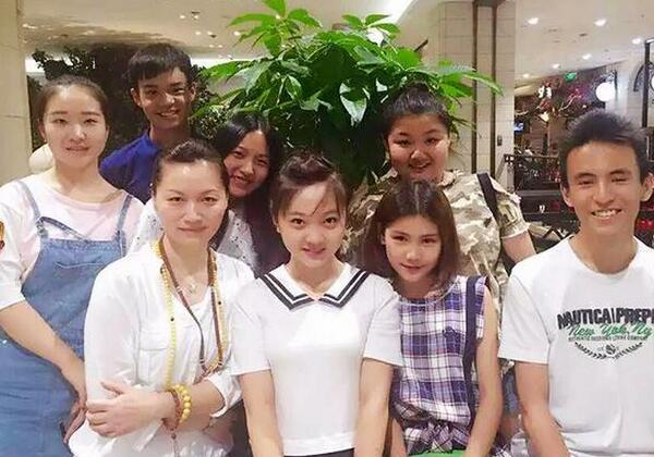 【星娱TV】林妙可17岁生日照曝光 活脱脱一个美少女
