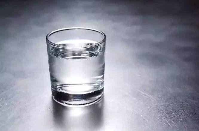 氢氧化钠与水反应 这两者的反应是什么