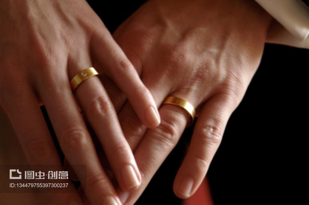 情侣戒指怎么戴 情侣戒指戴在哪只手更好