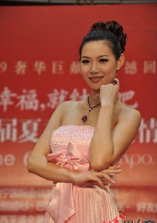 """揭秘中国模特行业收入 """"站着数钱的人"""""""