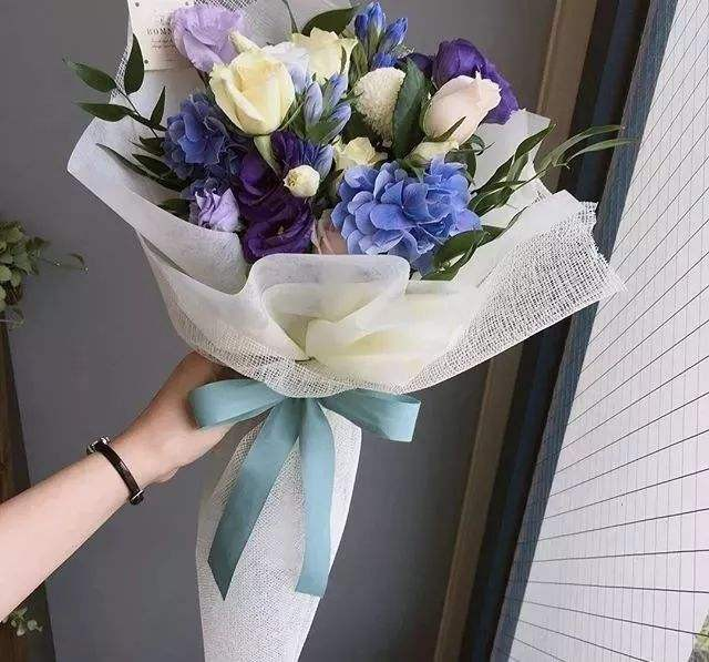 鲜花包装技巧 让你的花束更美