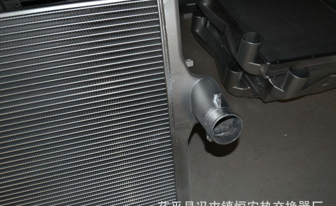 中冷器里有机油要紧吗 有机油的原因是什么