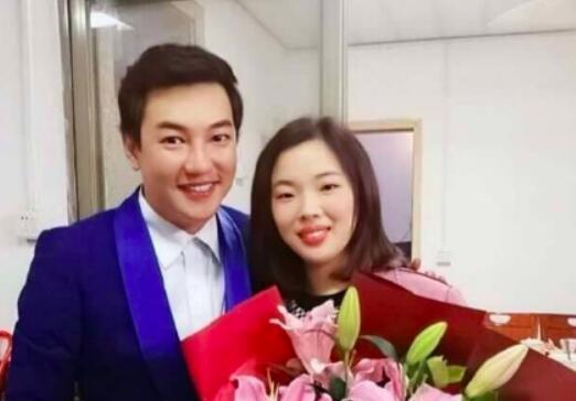 【惊呆】游乐王子结婚了是真的吗 游乐王子袁奇峰妻子是谁照片曝光