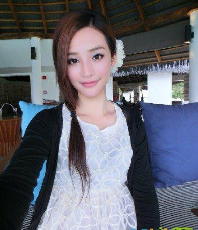 鸿星尔克广告女主角林嘉欣个人资料