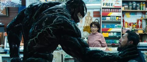 """电影《毒液》首映时间就在今晚 片尾彩蛋解读""""毒液""""有什么能力?"""