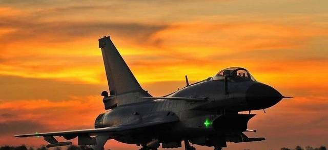 强势盘点:全球十大最先进战斗机排行榜