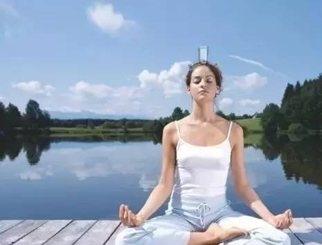 彭静山床上运动功:每次十五分钟,抗老延年健身!