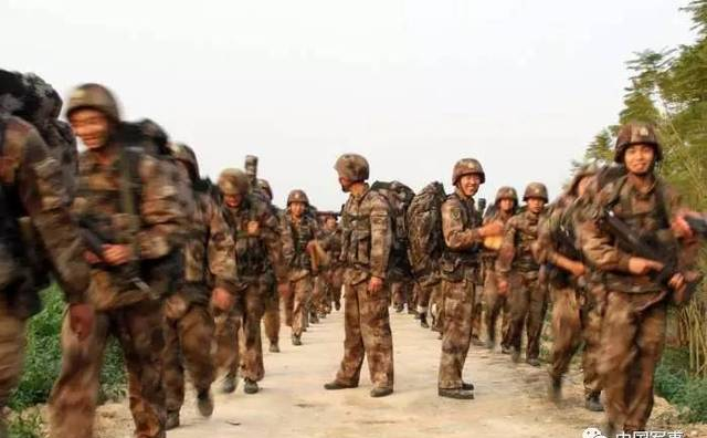 都是中国解放军, 边防部队和野战部队有什么区别?