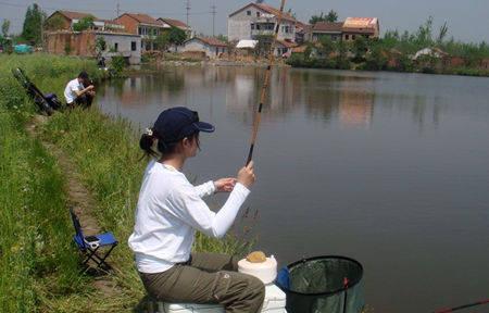 大师浅谈,夏天中午的钓鱼技巧