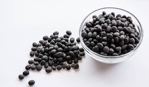 醋泡黑豆的减肥功效,减肥人士一定要知道!
