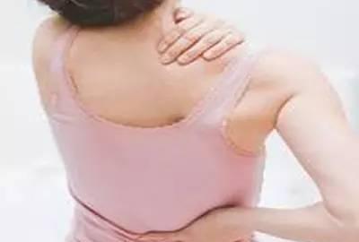 右后背疼是什么原因 5个疾病会引起后背疼
