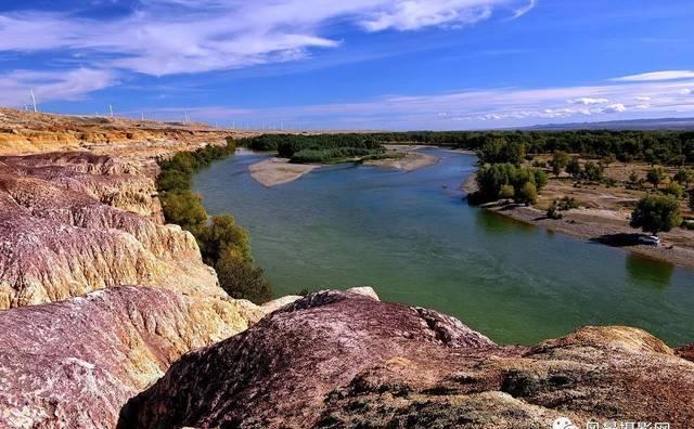 走进美丽的新疆--五彩滩