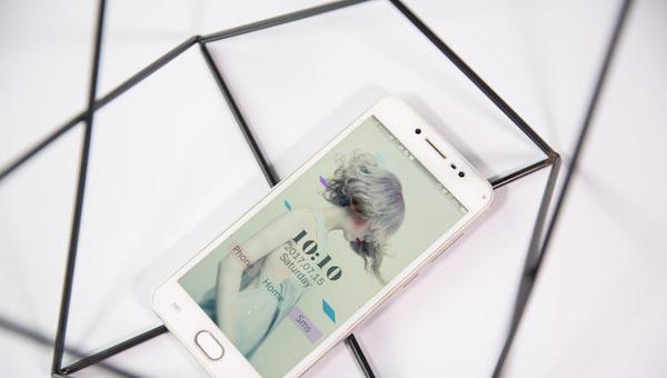小米手机在哪里买是正品 你的手机岂容他人掺假