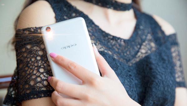 手机充电慢是什么原因 简单冲个电其实还有很多讲究