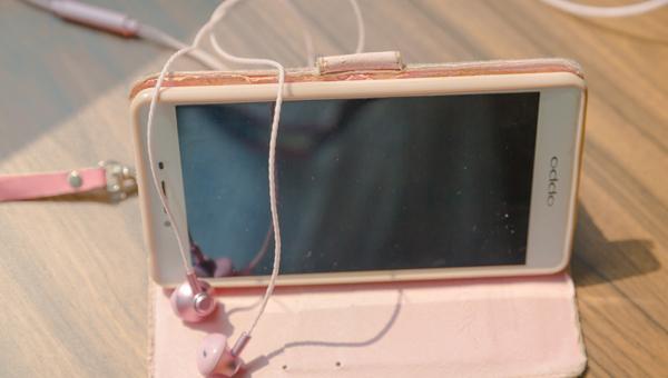 查询手机使用时间 如何检测手机是不是二手的