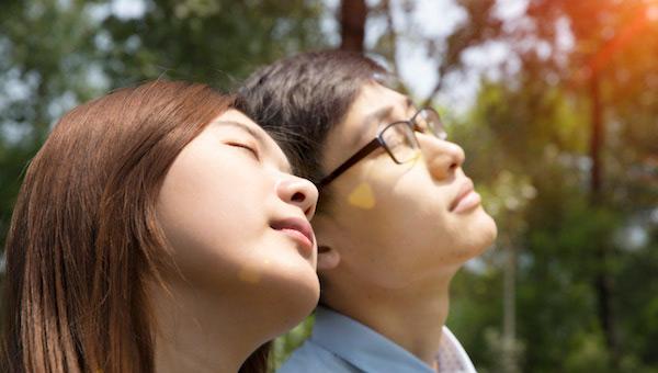 为什么接吻的时候身上麻了 这是一种正常的反应