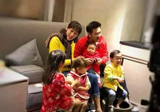 陈浩民解释为什么会让老婆5年生4胎,原因听着让人有些心疼!