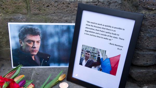 俄乡纪行|涅姆佐夫遇刺事件背后:俄罗斯自由派的兴衰史