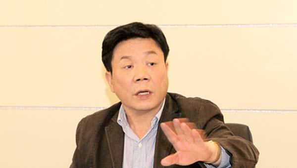 反映苏荣妻子致国家损失10亿,举报者之子遭收押后取保候审