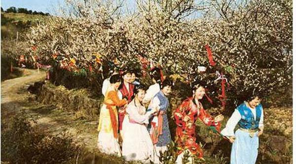 红楼梦芒种节花朝节什么日期 黛玉葬花原来就是这个时候