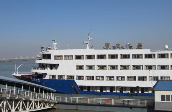 专家析长江沉船:为何不破船救人?为何没有第一时间发现?