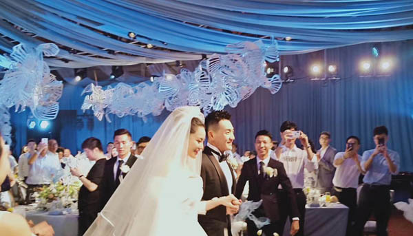 张馨予何捷婚礼誓言说了什么 深情告白感动落泪