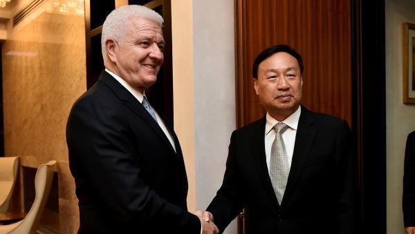 第三任中国驻黑山大使崔志伟即将离任