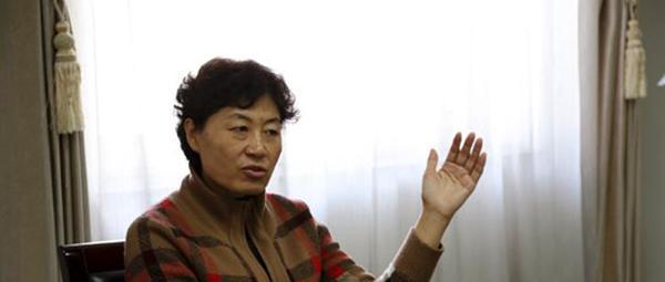 史书娥代表:人教版初中《生物学》教科书问题很多,建议修改