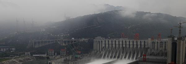 中国的基础设施何以能超常规发展