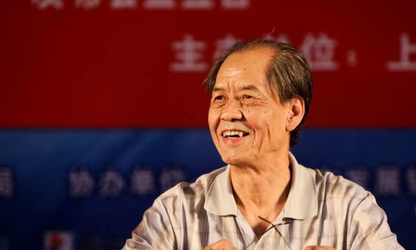 《白鹿原》作者陈忠实今晨因病去世,贾平凹昨曾入院探望