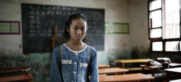 官方证实写最悲伤作文女孩家徒四壁,但每月有六百多元补助