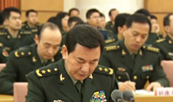 军委办公厅主任秦生祥接替苗华任海军政治委员