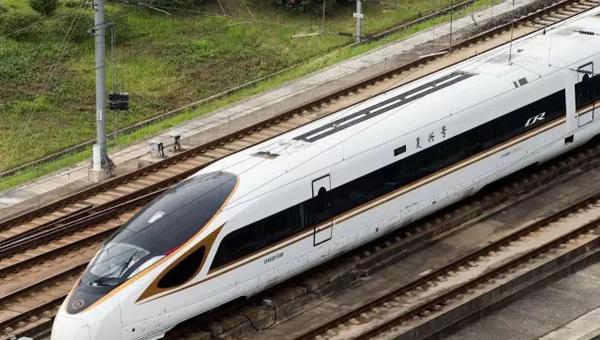 中国高铁时速重回350公里,背后的故事不是你想象的那样