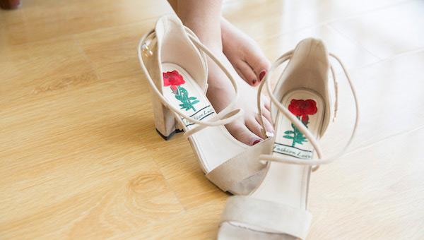 翻毛鞋水洗了怎么补救 正确的清洗步骤如何做