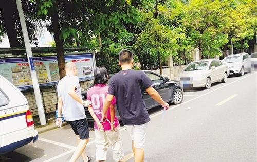南宁交警岗亭15块电子屏被砸,警方:嫌疑人未受过警方打击