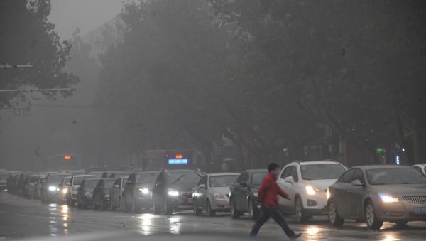 """济南""""蝉联""""全国十大污染城市榜首,携6城签军令状抱团治霾"""