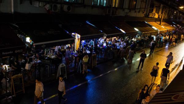 上海火爆永康路酒吧街全面整治,90余商家仅19家合规经营