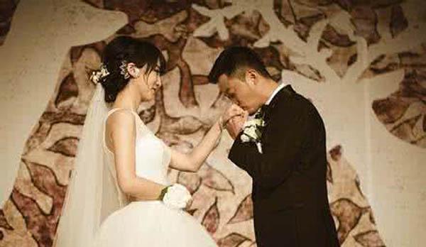 吴京的老婆叫什么名字  揭秘两人的相恋过程