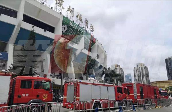 深圳体育馆突发坍塌,已致3死