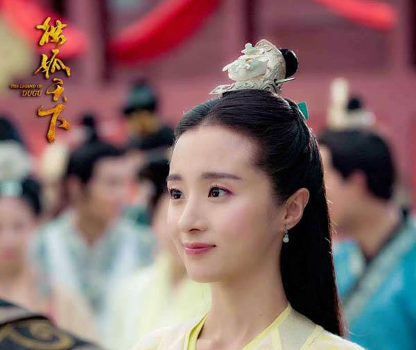 胡冰卿男朋友是谁 既不是杨洋也不是陈翔竟然是他