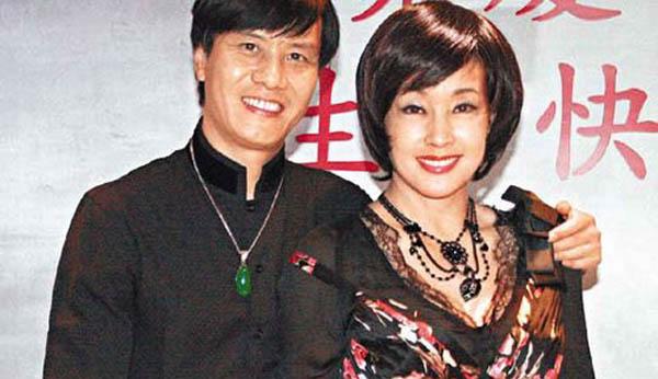 刘晓庆阿峰离婚原因 众人感动的婚姻怎么散场了