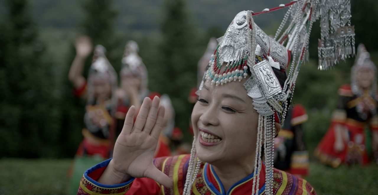 畲民倾巢出动载歌载舞,畲族原生态民歌被拍成《彩带献北京》
