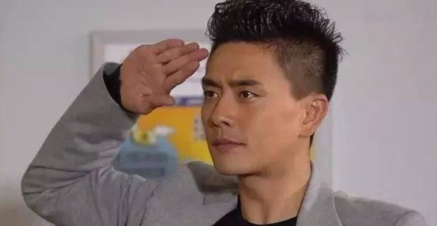 TVB《溏心风暴3》凌阿九闯下弥天大祸,为救他正爸火姐甘愿下跪