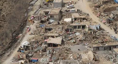 """玉树地震十周年:检察官讲述""""重整山河织锦绣"""""""