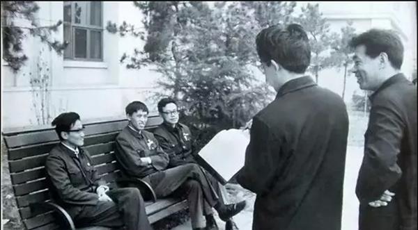 纪念|叶永烈、宗福先、卢新华,一张照片里的三个开创者