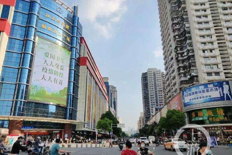 地标看五一丨武汉黄鹤楼游客量少,汉正街逐渐喧闹起来
