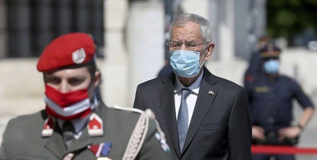 """外出就餐""""超时"""",奥地利总统道歉"""