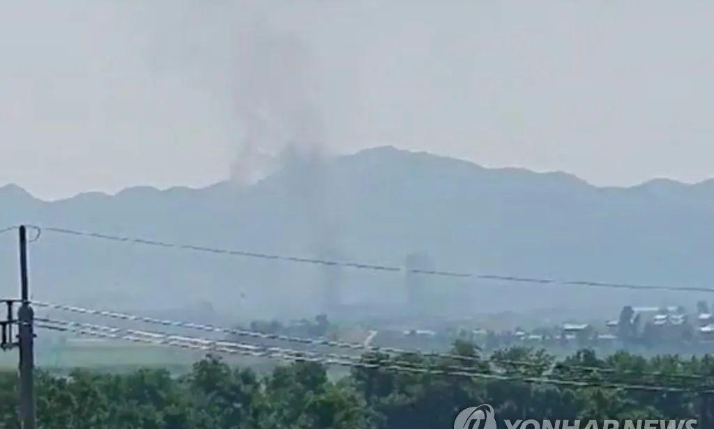 突发,朝鲜开城工业园内的朝韩联络办公室大楼被爆破